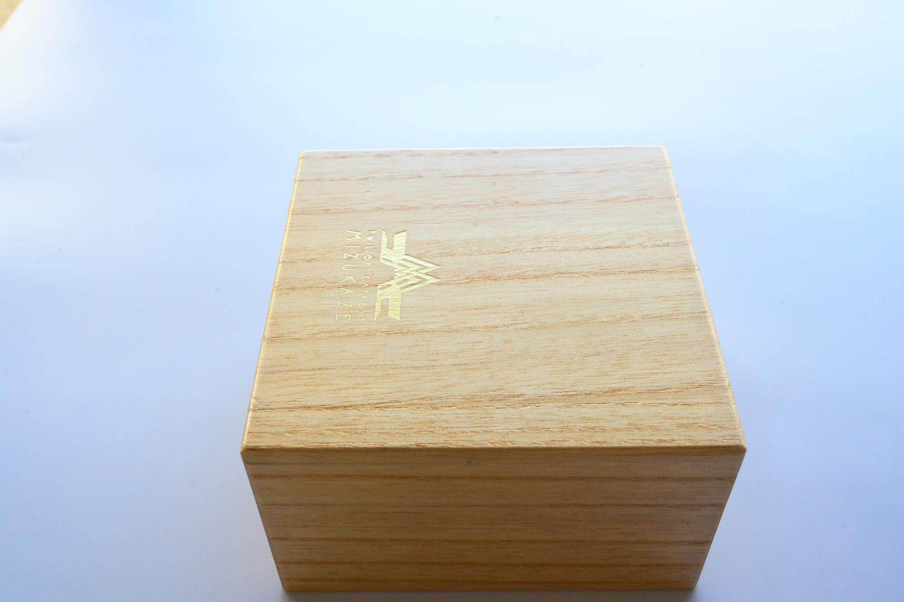 JR西日本瑞風の桐箱